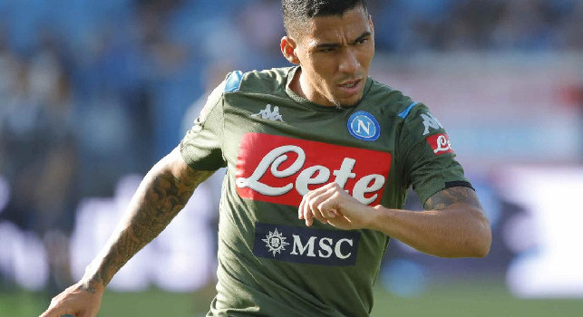 Il Mattino - Open door training at San Paolo, Allan and Callejon insulted at the exit