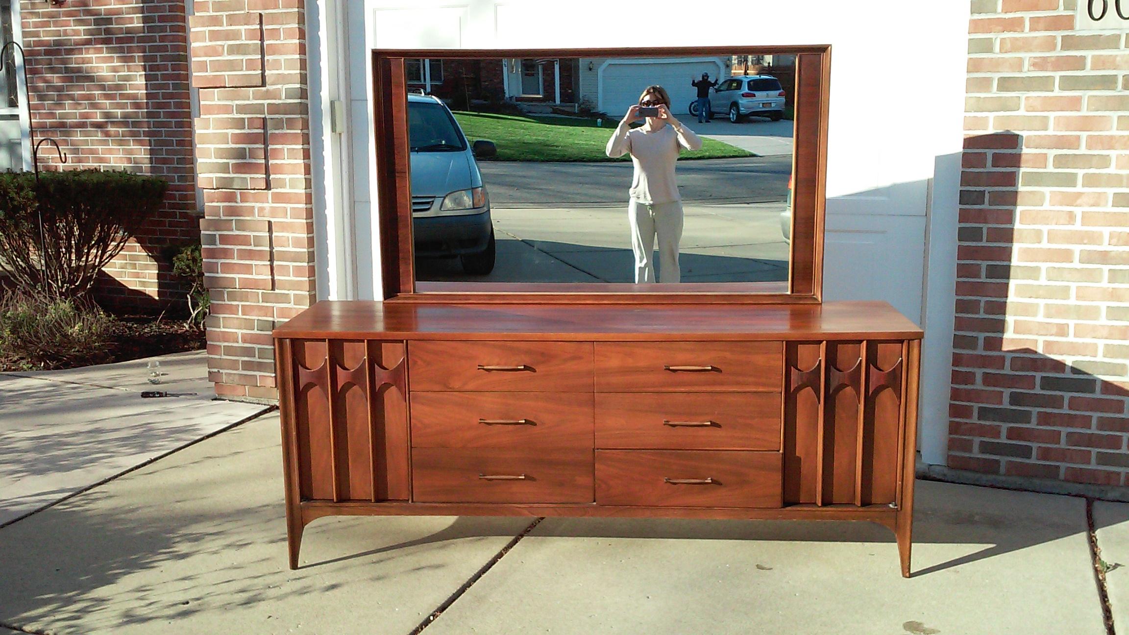 Sold Kent Coffey Perspecta Bedroom Set