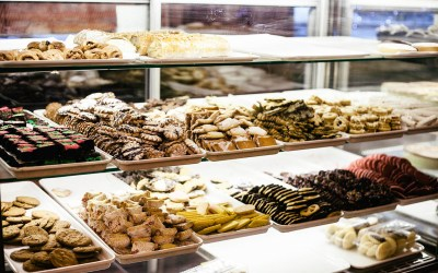 Pastry and Bakery Display Cases | Buying Guide