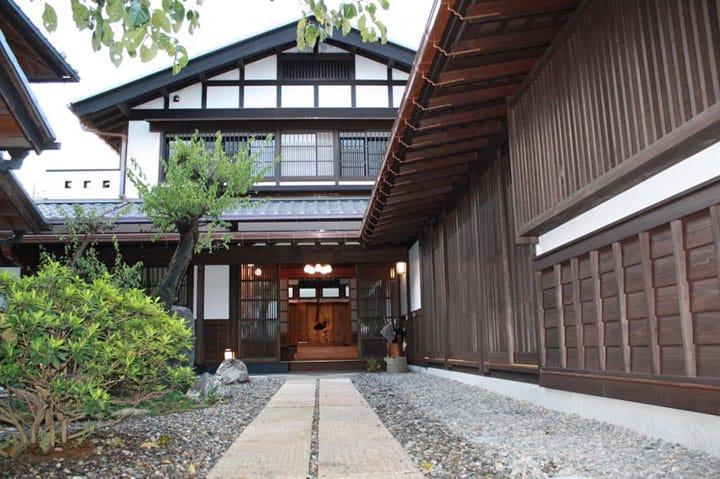 7 Penginapan Dengan Pemandian Air Panas Terbaik Di Saitama