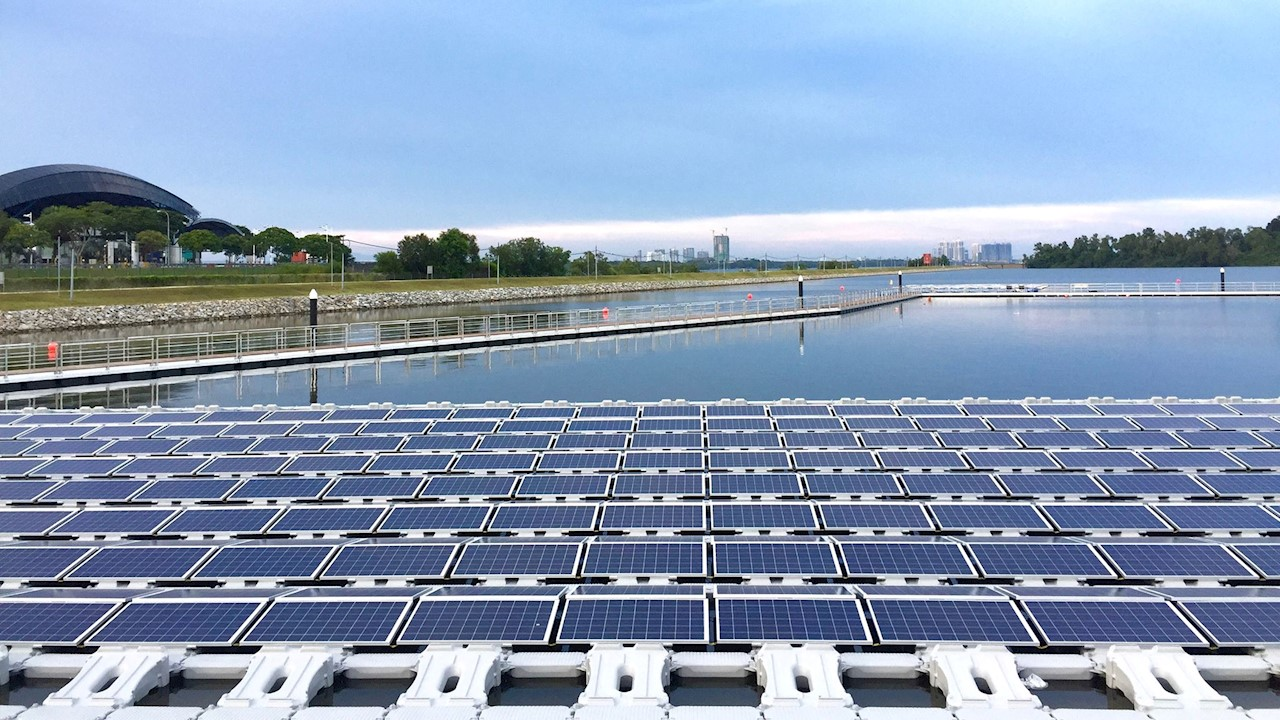 World S Largest Floating Photovoltaic Power Plant Test Bed