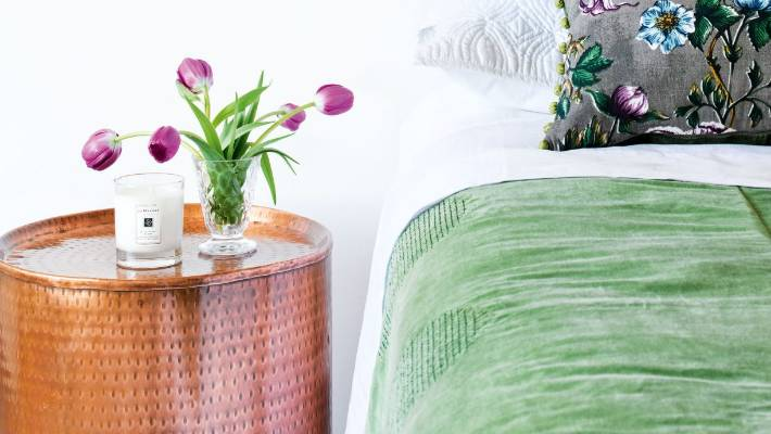 What To Put On A Bedside Table