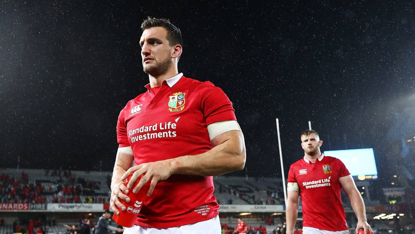 Lions Tour Captain Sam Warburton S Awkward Moment With Dropped Peter O Mahony