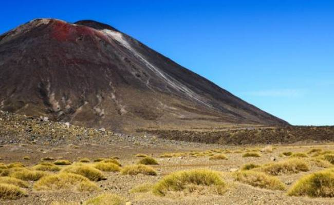 Trampers Told Not To Climb Tongariro Crossing S Mount Doom