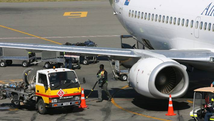 Airline fuel surcharges tipped to make comeback | Stuff.co.nz