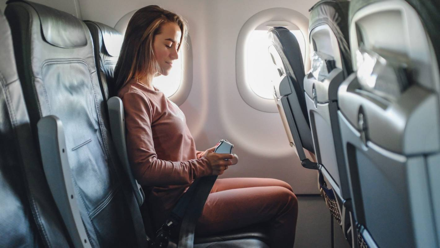 Why are airline seats so uncomfortable  Stuffconz