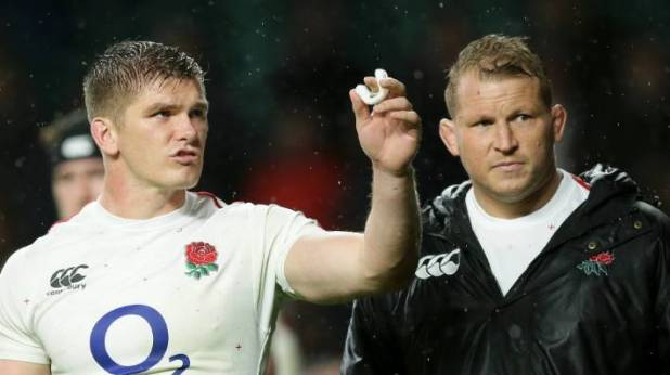To the left, the first half of Dylan Hartley left Owen Farrell to grab England.