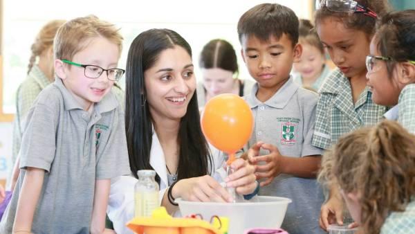 Science Box Experiments Lift Lid Kids' Curiosity
