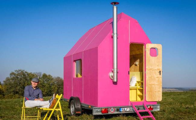 Could You Live In This The Diy Magenta Tiny House Is Just