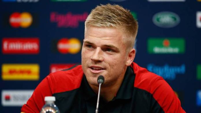 Wales star Gareth Anscombe has announced a move from Cardiff to Ospreys.