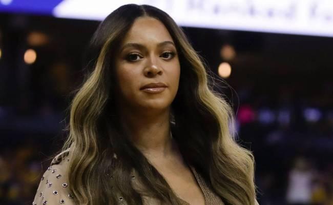 Woman Seen Talking To Jay Z In Beyonce Video Leaves