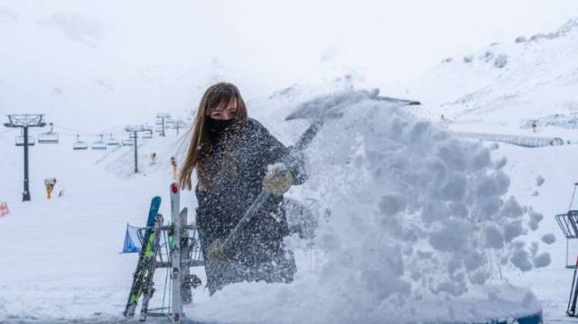 The Remarkables ski field had 20cm of snow during the spring storm overnight.