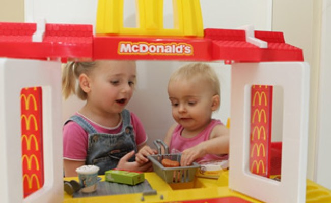 Mckids Play Restaurant Toy At Toys R Us Causes Alarm