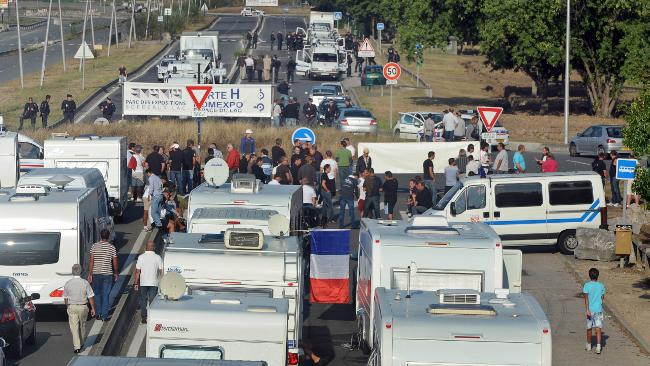 FRANCE-TRANSPORT-DEMO-GYPSY-RIGHTS