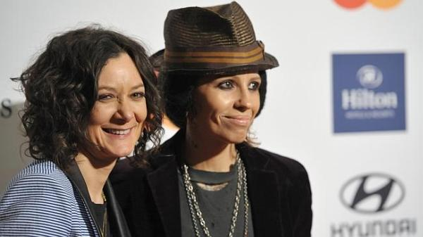 Sara Gilbert and Linda Perry have married