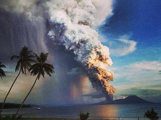 51: Papua NG's Tavurvur Volcano blows its top in major eruption ...