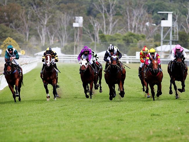 Jim Byrne and Mischievous Devil combine to take out the second race on Ipswich Cup Day th