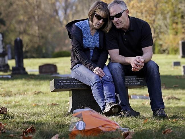 Regrets ... Linda and Rob Robertson want to stop other parents going through what they di