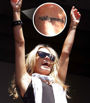 Missing dad  Lara Bingle shows off her tattoo Source: The Daily Telegraph