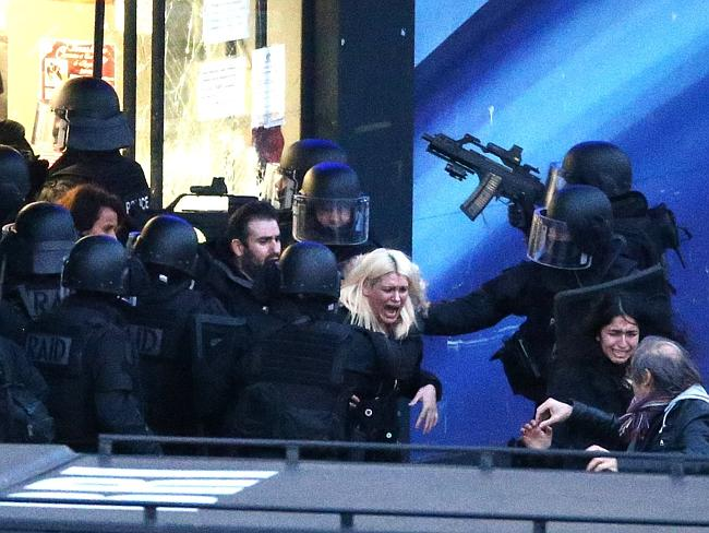 Free ... French police special forces evacuate the hostages after launching the assault a
