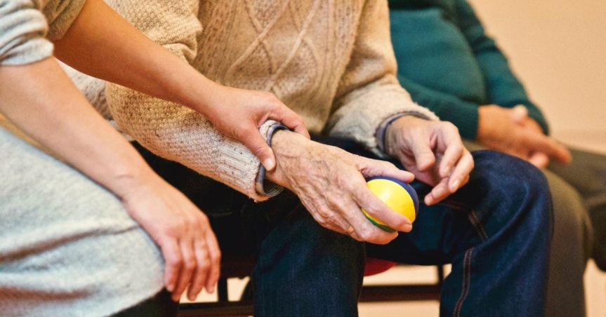 Alzheimer's symptoms and caregiving stages