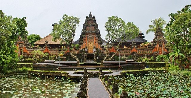 The Balinese Temples are so majestic and a spiritual haven to recharge and reconnect with the divine!