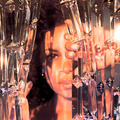 AlunaGeorge 'Champagne Eyes'