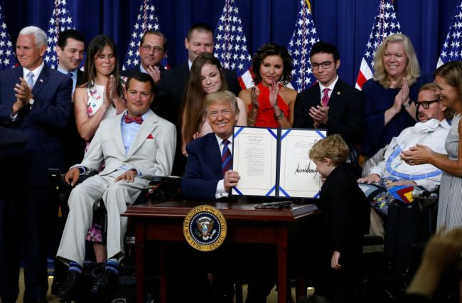 Trump signs right-to-try