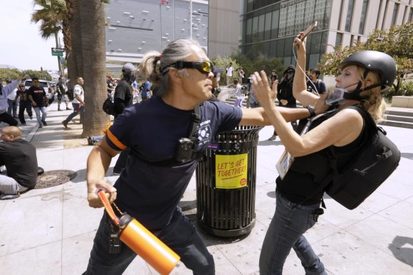 Violent antivaxxer attacks journalist