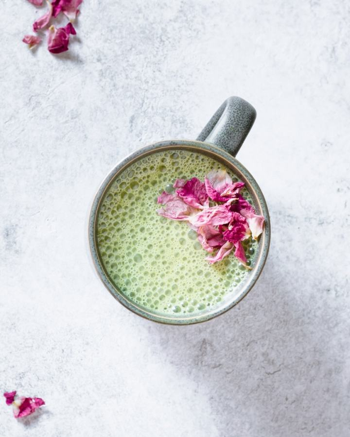 pandan cashew milk latte with rosebuds