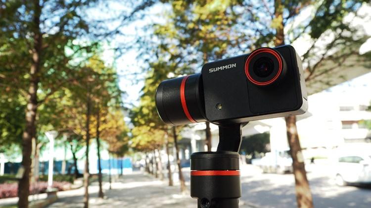 評測》具備4K錄影 高穩定度 Feiyu Tech 飛宇科技 – 魅眼 Summon 開箱 手持雲台相機 小巧方便、一體成型