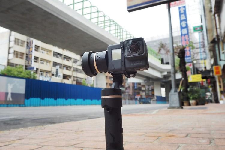 評測》捕捉運動美感 Feiyu Tech G5|防潑水手持穩定器