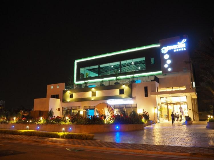 台中》潛水聖地 潛立方旅館(潛水旅館)Divecube Hotel|亞洲最深的游泳池 住宿/潛水/餐廳