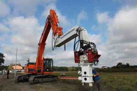 Used clamp for open piles ACN 40
