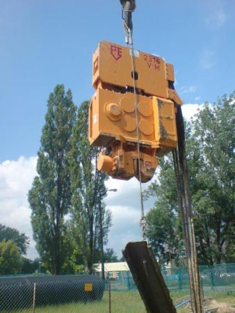 Used vibro hammer PVE 2316 VM to work on a crane or piling rig