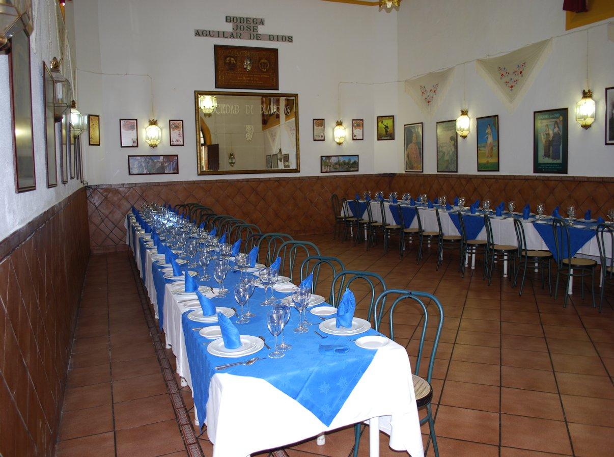 Mesas salón José Aguilar de Dios del Restaurante de Córdoba Sociedad Plateros Maria Auxiliadora