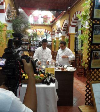 Manuel Bordallo y Keith Foo en Restaurante Sociedad Plateros Maria Auxiliadora