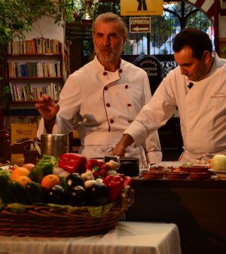 La television de Turquia en el Restaurante Sociedad Plateros Maria Auxiliadora 03