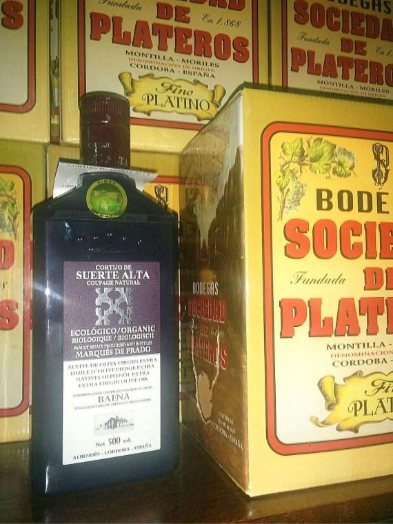 Aceite de Oliva Ecológico del Cortijo Suerte Alta en el Restaurante Sociedad Plateros Maria Auxiliadora