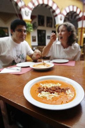 El Dia de Cordoba y el Restaurante Sociedad Plateros Maria Auxiliadora