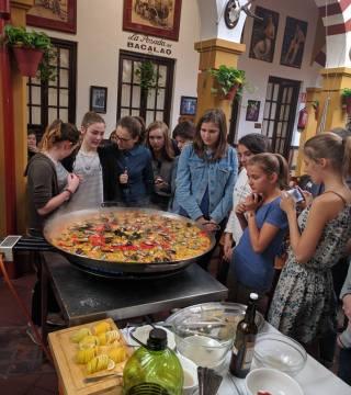 Curso de paella para estudiantes franceses en el Restaurante Sociedad Plateros Maria 05