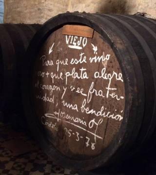 Despacho de vinos a granel Sociedad Plateros María Auxiliadora 15