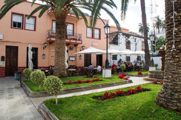 Restaurante en La Plaza de San Andrés · Restaurante San Andrés · La Palma · Canarias · Pescado Fresco, Paella de Marisco, Gran Selección de vinos.