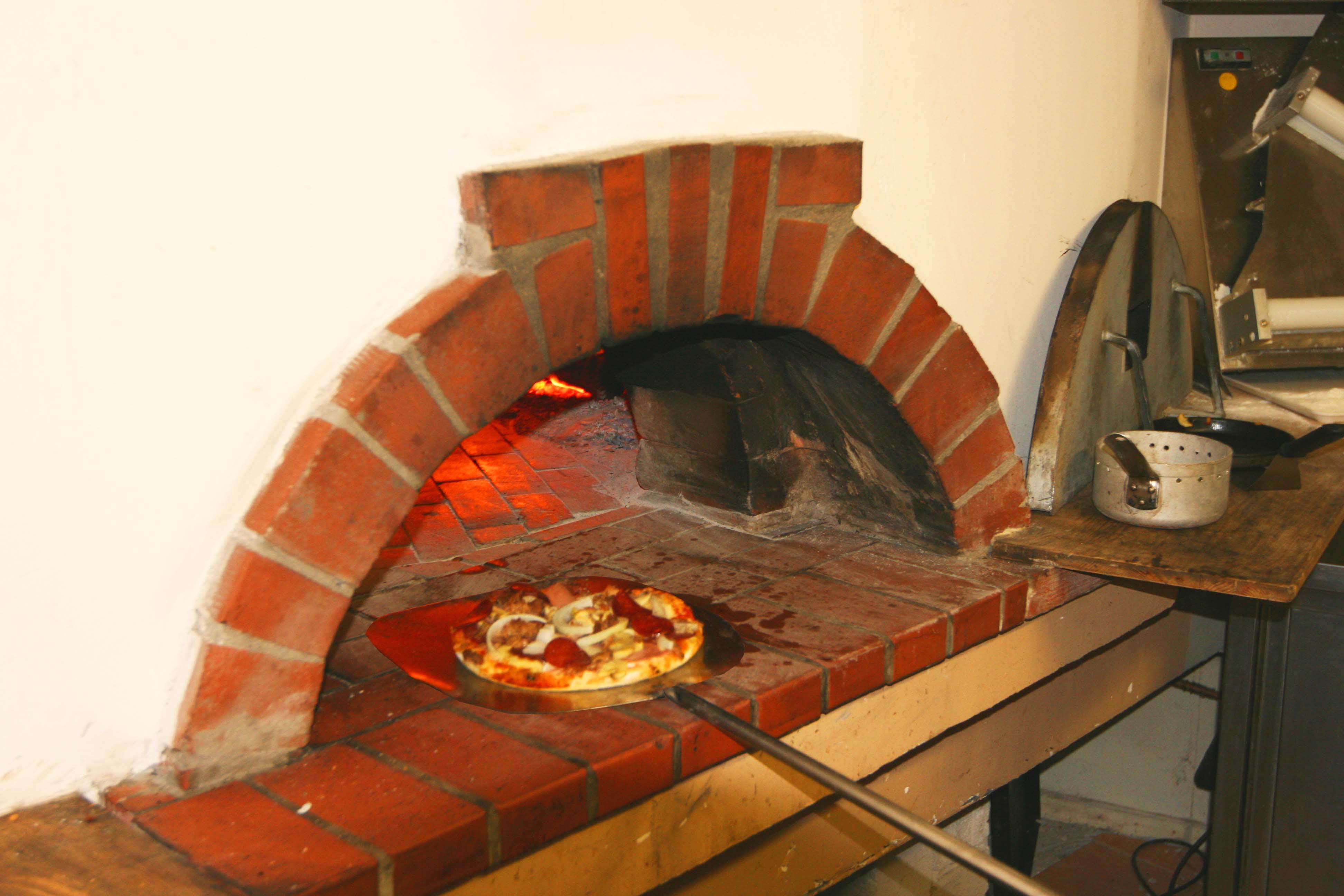 Pizza Steinofen  Zur Scheune