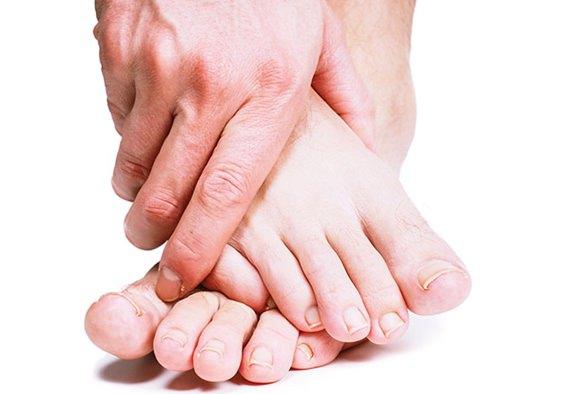 むずむず脚症候群と類似している病気とは?混同に気を付ける!
