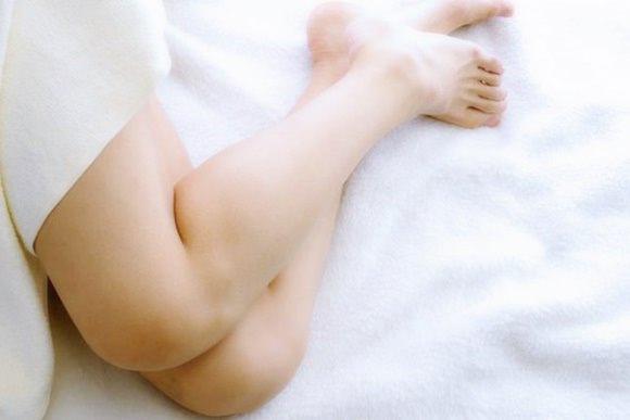 妊娠中に多くの人が悩まされるむずむず脚症候群について