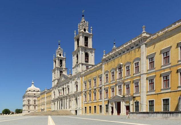 Royal Palace of Mafra, external facade- from Wikipedia