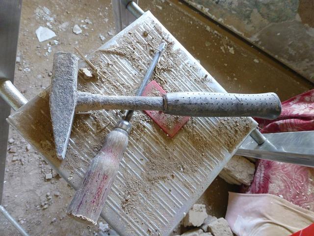 hammer-586531_640