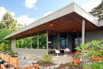 BurkesHouse-back patio_PBelluschi architect_photo Sally Painter 2X3