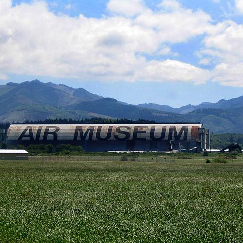 Tillamook_Air_Museum_from_distance